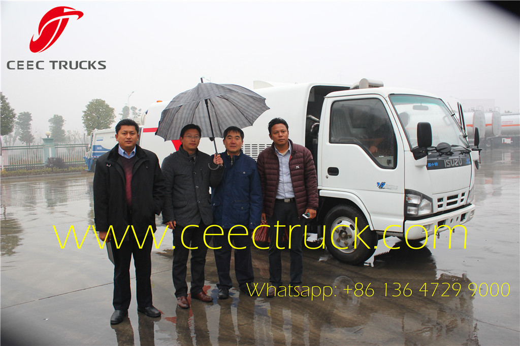 Myanmar customer visit us purchasing ISUZU road sweeper Trucks