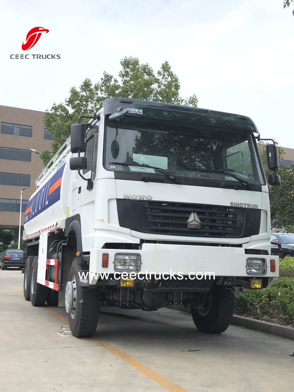SINOTRUK HOWO 6X6 all wheel drive Fuel bowser Oil tanker trucks for sale