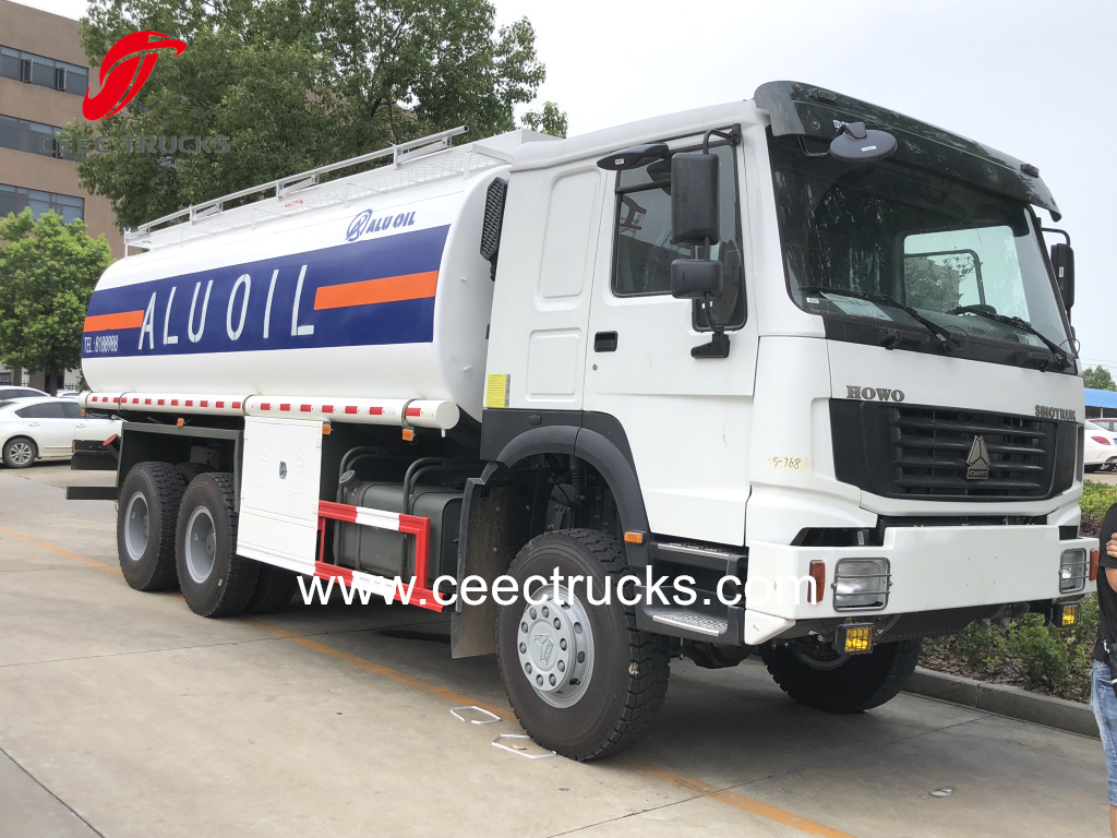 SINOTRUK HOWO 6X6 all wheel drive Fuel bowser Oil tanker trucks