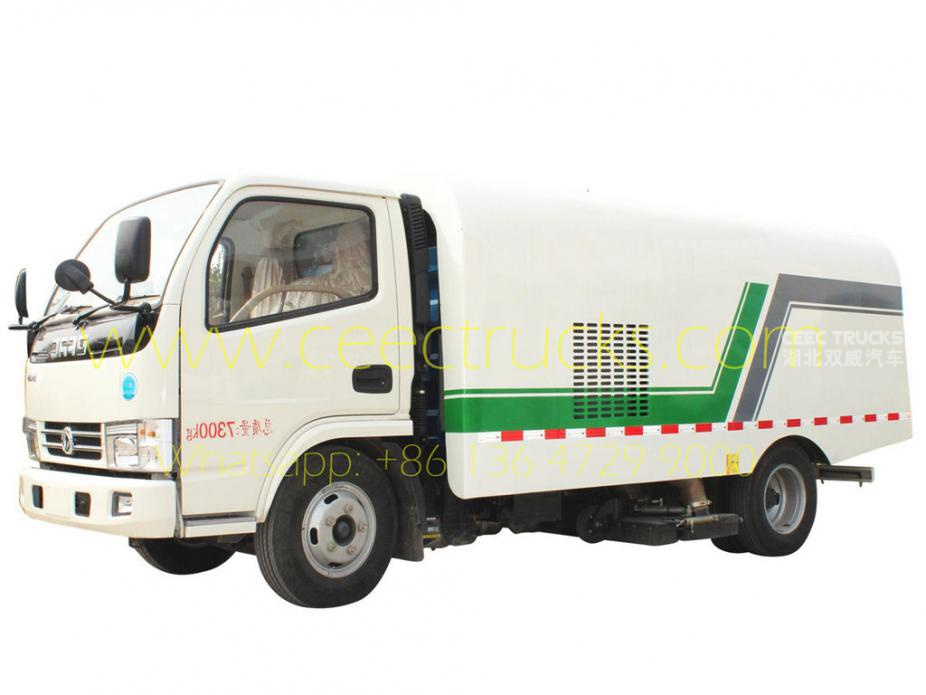 Dongfeng 5000L vacuum road sweeper truck