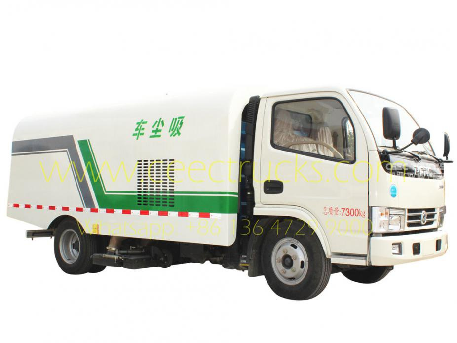Dongfeng 5000L vacuum road sweeper vehicle